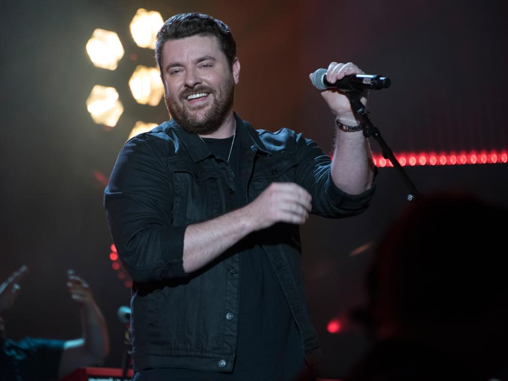 """Chris Young Receives Inaugural """"Charlie Daniels Patriot Award"""" for Support of Veterans"""
