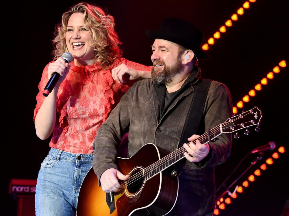 "Listen to Sugarland's New Song, ""Babe,"" Featuring Taylor Swift"