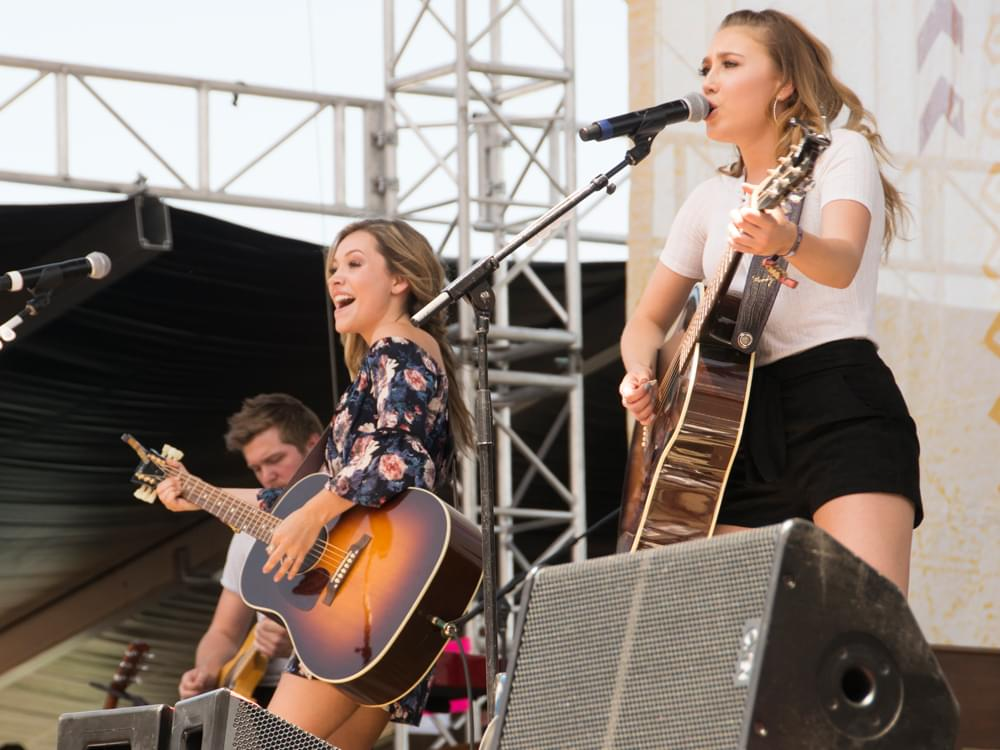 """Maddie & Tae Give Fans First Glimpse of Sophomore Album With New Single, """"Friends Don't"""" [Listen]"""