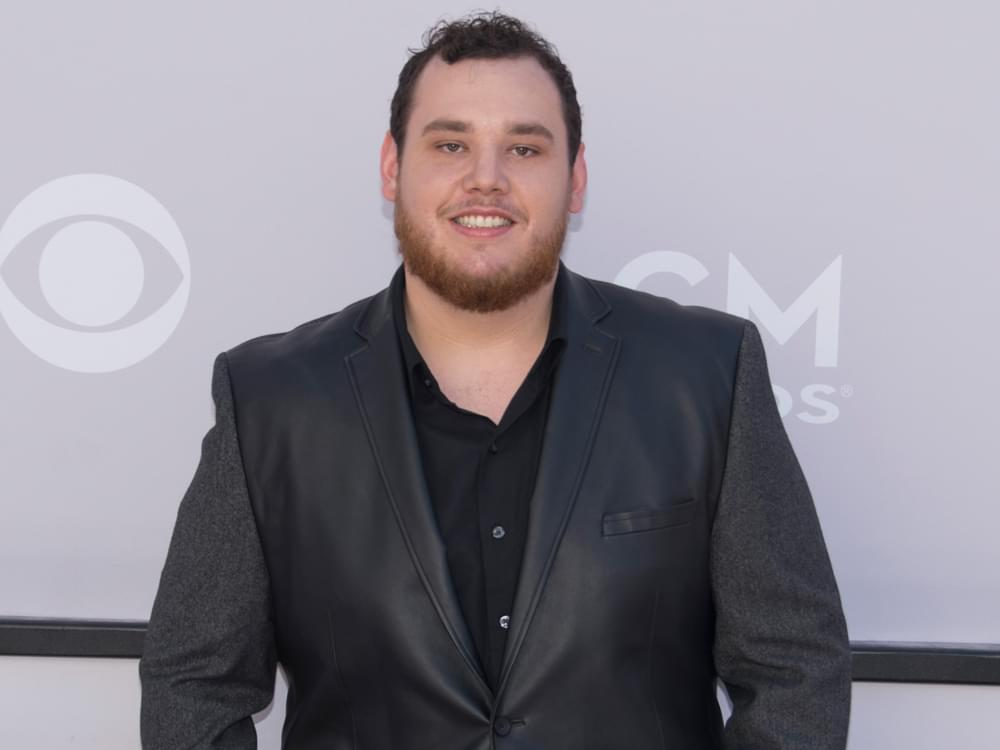 """Luke Combs Looking Forward to Buying a House After Scoring 3rd Consecutive No. 1 Hit With """"One Number Away"""""""