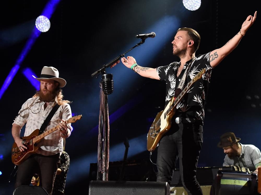 """Listen to Brothers Osborne's Lamenting New Single, """"I Don't Remember Me (Before You)"""""""