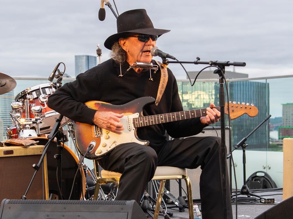 """Polk Salad Annie"" Singer/Songwriter Tony Joe White Dead at 75"