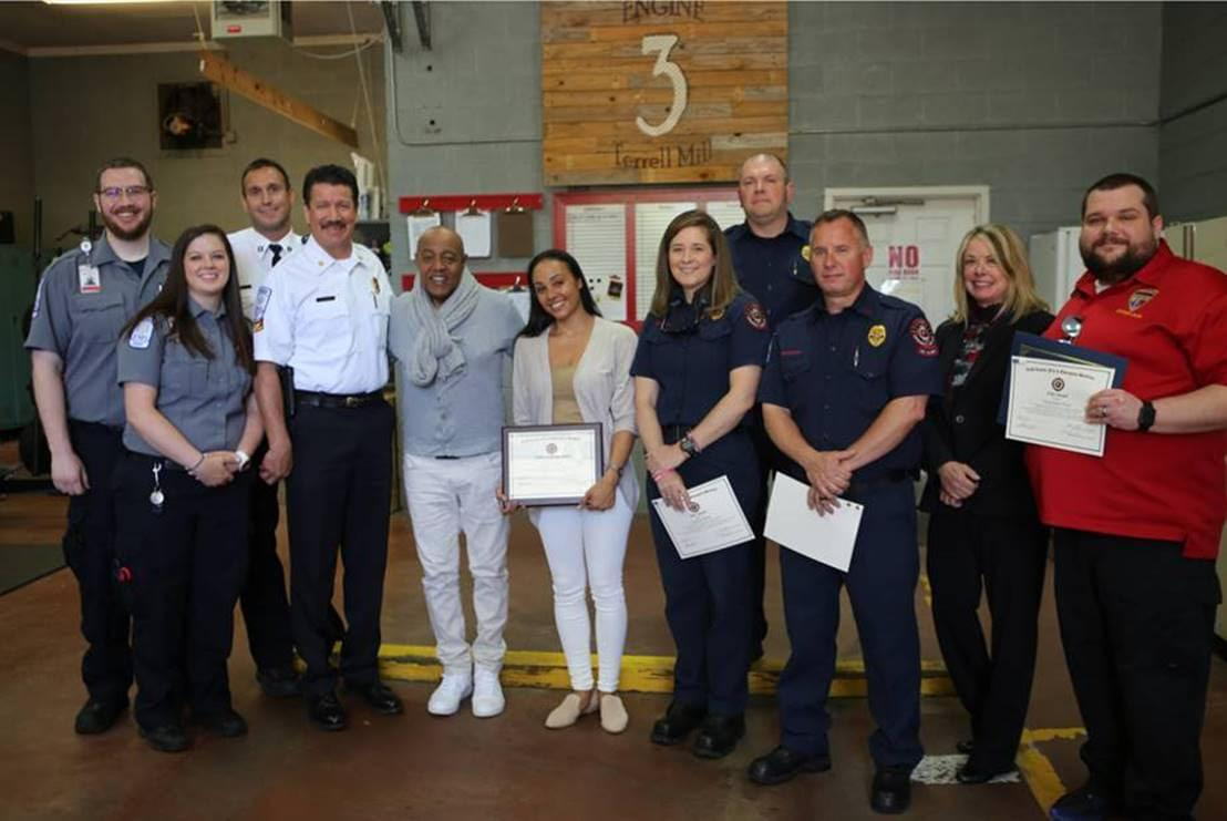 R&B LEGEND PEABO BRYSON AND WIFE VISIT FIRST RESPONDERS WHO SAVED HIS LIFE