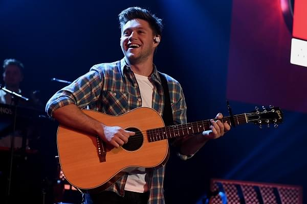 Niall Horan Looks Cool AF In New Music Video [WATCH]