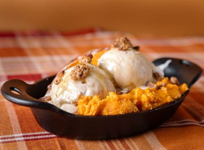 Thanksgiving Ice Cream Flavors Are On Sale Now