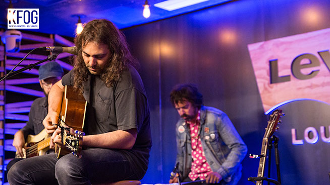 """KFOG Private Concert: The War On Drugs – """"Pain"""""""