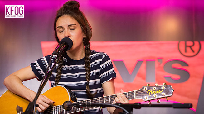 """KFOG Private Concert: Amy Shark – """"Deleted"""""""