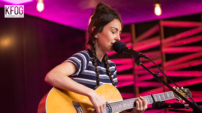 """KFOG Private Concert: Amy Shark – """"Drive You Mad"""""""