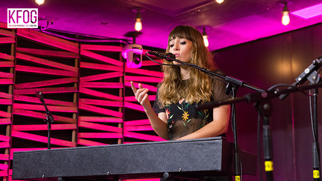 """KFOG Private Concert: Oh Wonder – """"Without You"""""""