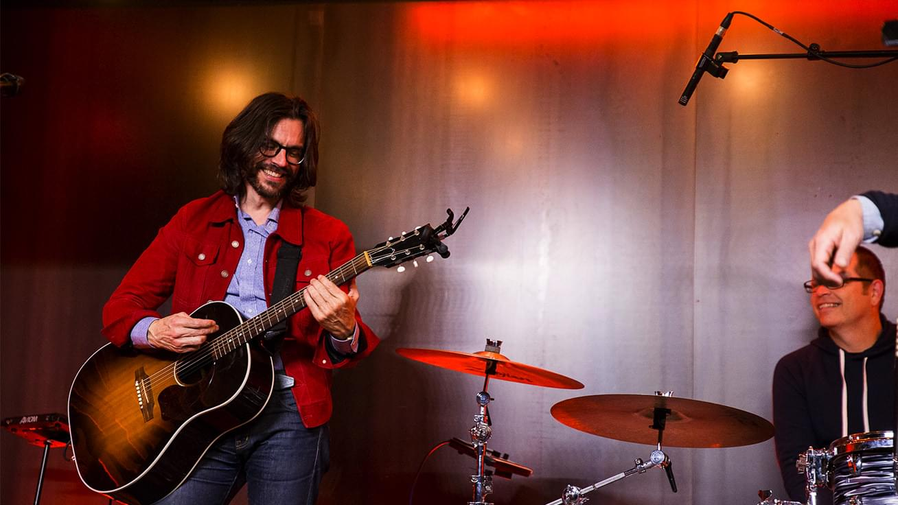 """KFOG Private Concert: Weezer – """"Island In The Sun"""""""