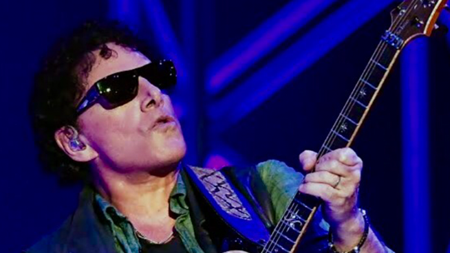 Journey's Neal Schon Is Recovering From Emergency Gallbladder Surgery