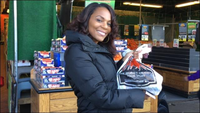 Video: Jasmine Sanders at Fairway for City Harvest Food Drive