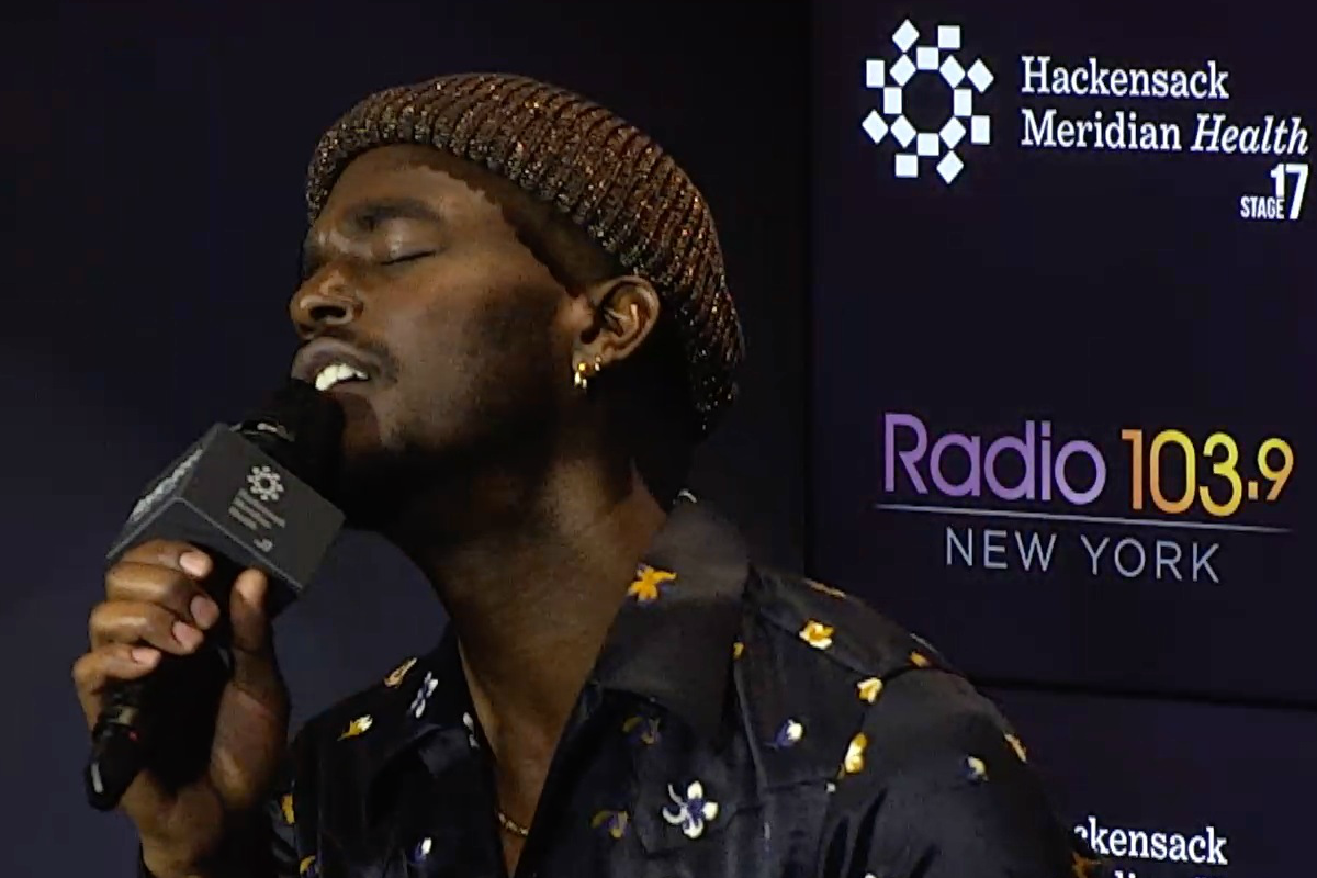 Luke James LIVE from HMH Stage 17! [Exclusive Video]