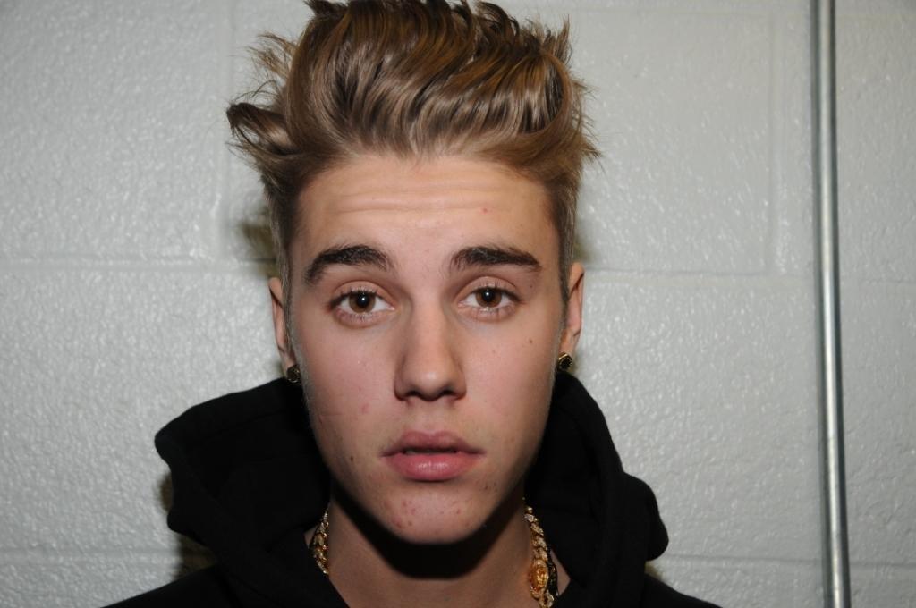 Justin Bieber Visits Kids In The Hospital