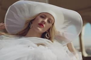 "[VIDEO] Ellie Goulding X Diplo featuring Swaw Lee ""Close To Me"""