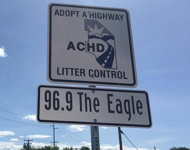 96.9 The Eagle Picking Up Trash This Weekend!