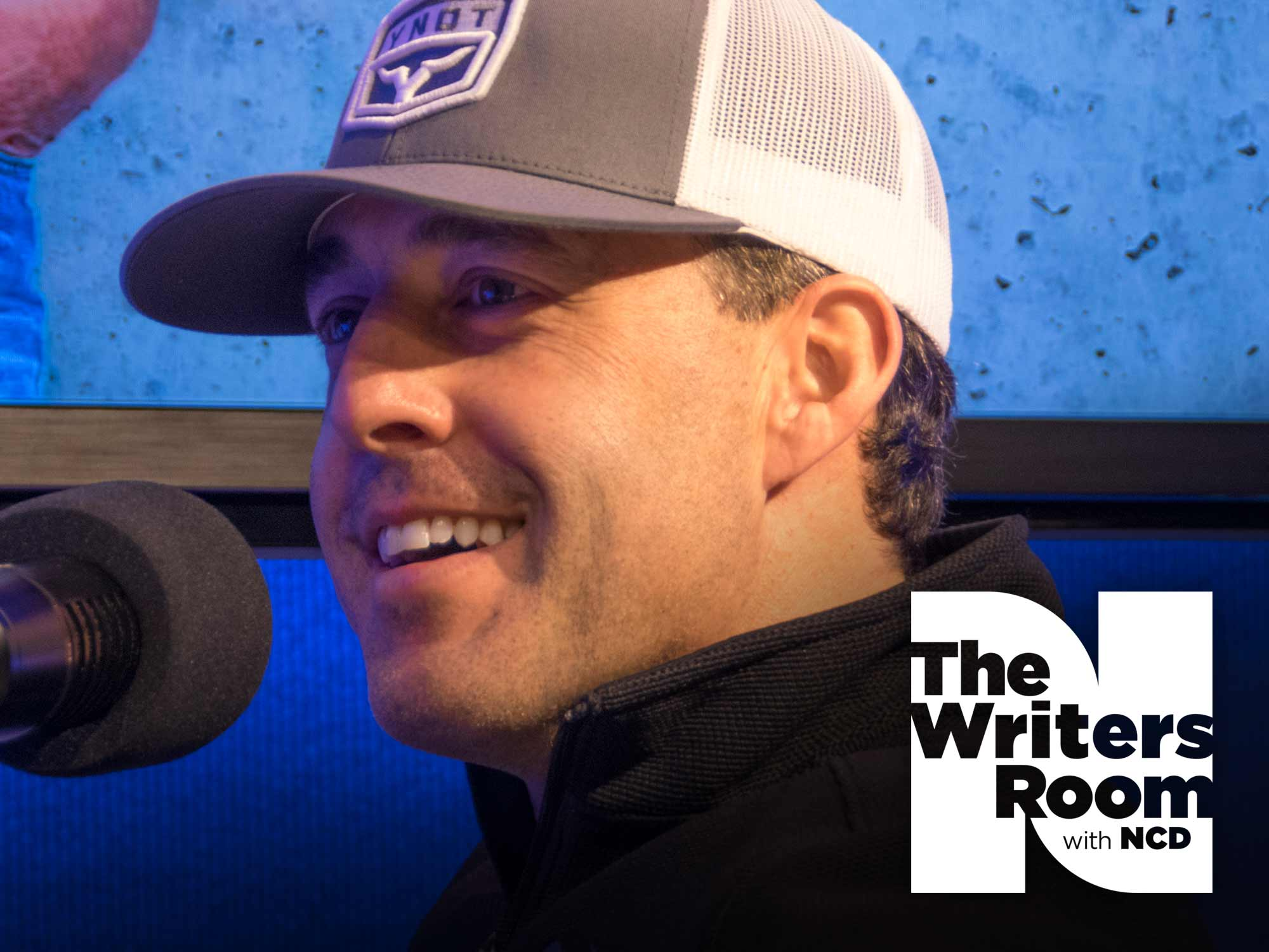 """Aaron Watson Talks About the """"Healthy Chip"""" on His Shoulder, Making Independent Music & His New Album, """"Vaquero"""""""