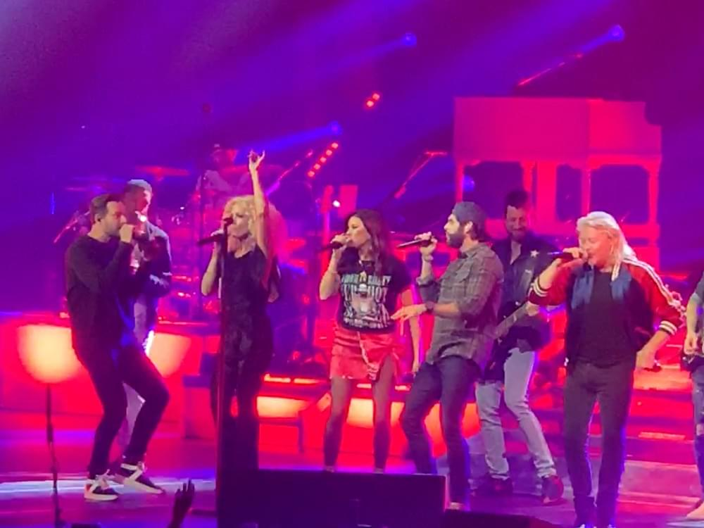 """Watch Thomas Rhett Team With Little Big Town on """"Don't Threaten Me With a Good Time"""" at Nashville Arena Concert"""