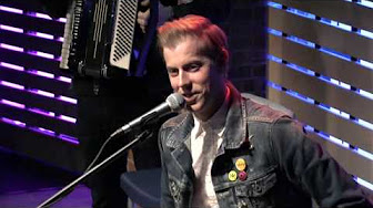 """Andrew McMahon In The Wilderness Interview: """"Fire Escape Music Video/Inflatables"""""""