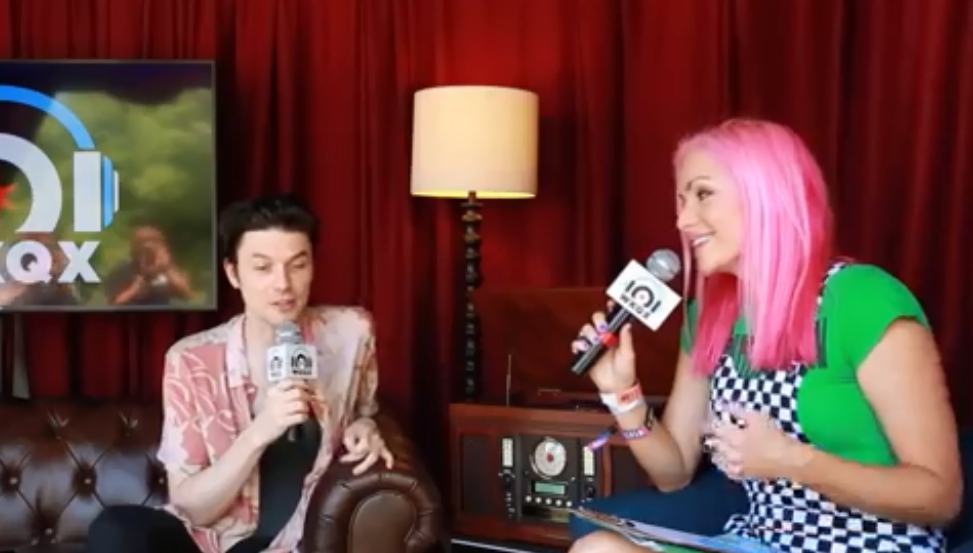 Lollapalooza: James Bay promises 'best show ever' (backstage interview with Lauren)