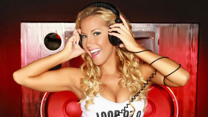 The Loop Rock Girl: Kelly