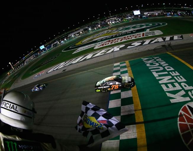 NASCAR Saturday Night at Kentucky Speedway for Quaker State 400