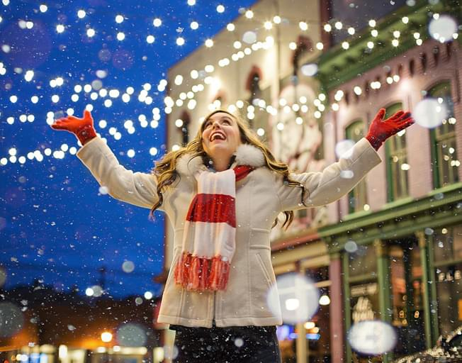 Hallmark Channel Brings First Ever Christmas Con