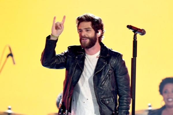 Thomas Rhett Uses Acceptance Speech To Pray For Kane Brown [WATCH]
