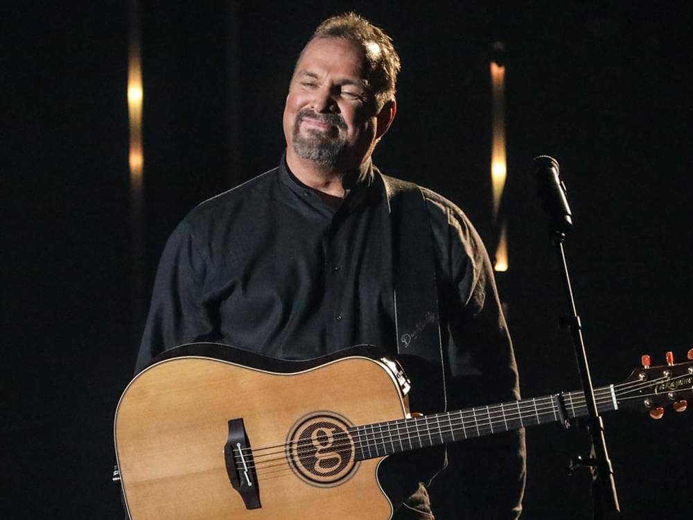 """Garth Brooks Helps Honor Sam & Dave at """"Grammy Salute to Music Legends"""" TV Special [Watch Preview]"""