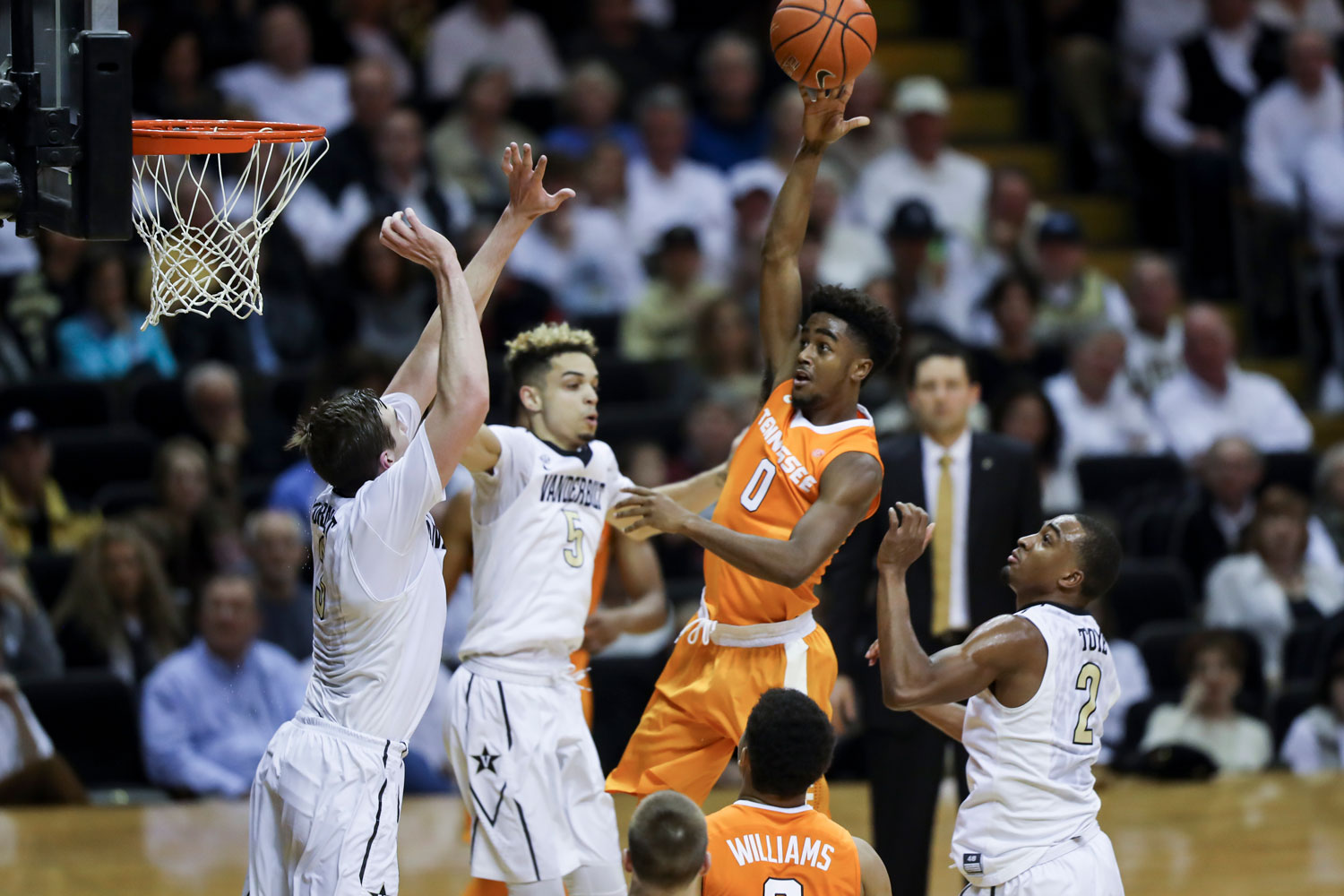 Focus on what matters with Tennessee's basketball program