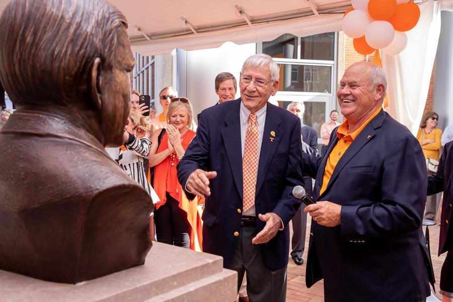 Tennessee Dedicates Doug Dickey Hall of Fame Plaza