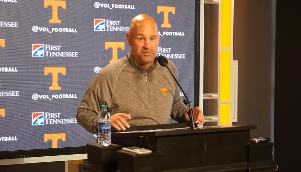 """Video: Pruitt on if Maurer will start at QB vs MSU """"He'd really have to have a bad week of practice not to"""""""