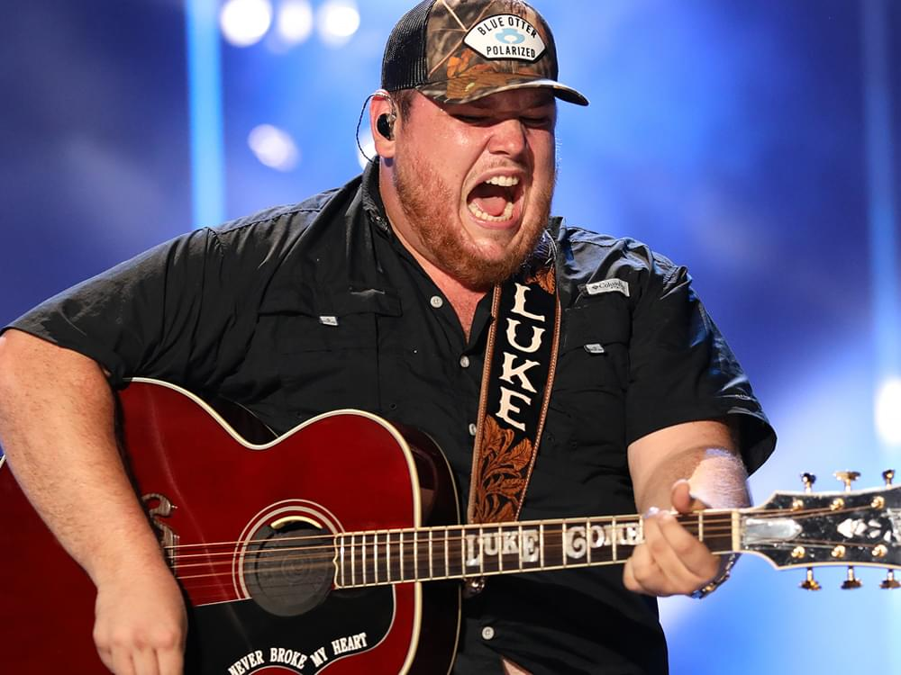 "Luke Combs Reveals Track List & Drops Title Track to New Album, ""What You See Is What You Get"" [Listen]"