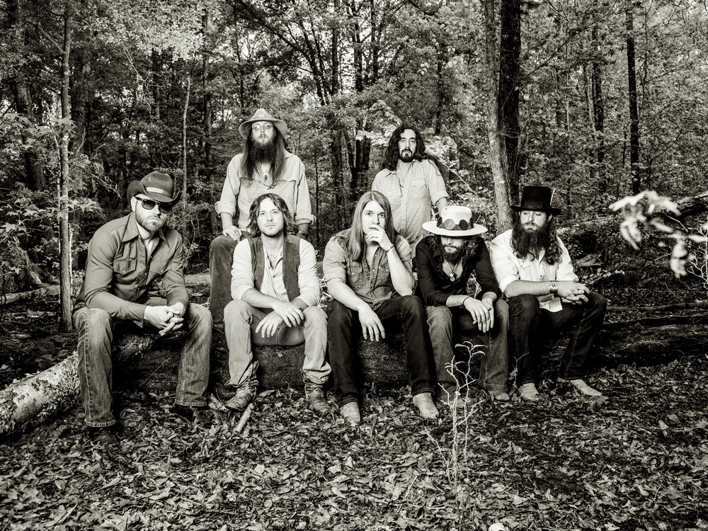 """Exclusive Premiere: Watch Whiskey Myers' Gritty New Lyric Video for """"Mud"""""""