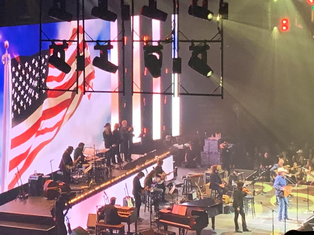 """Watch Alan Jackson Perform """"Where Were You (When the World Stopped Turning)"""" at Loretta Lynn's All-Star Concert"""