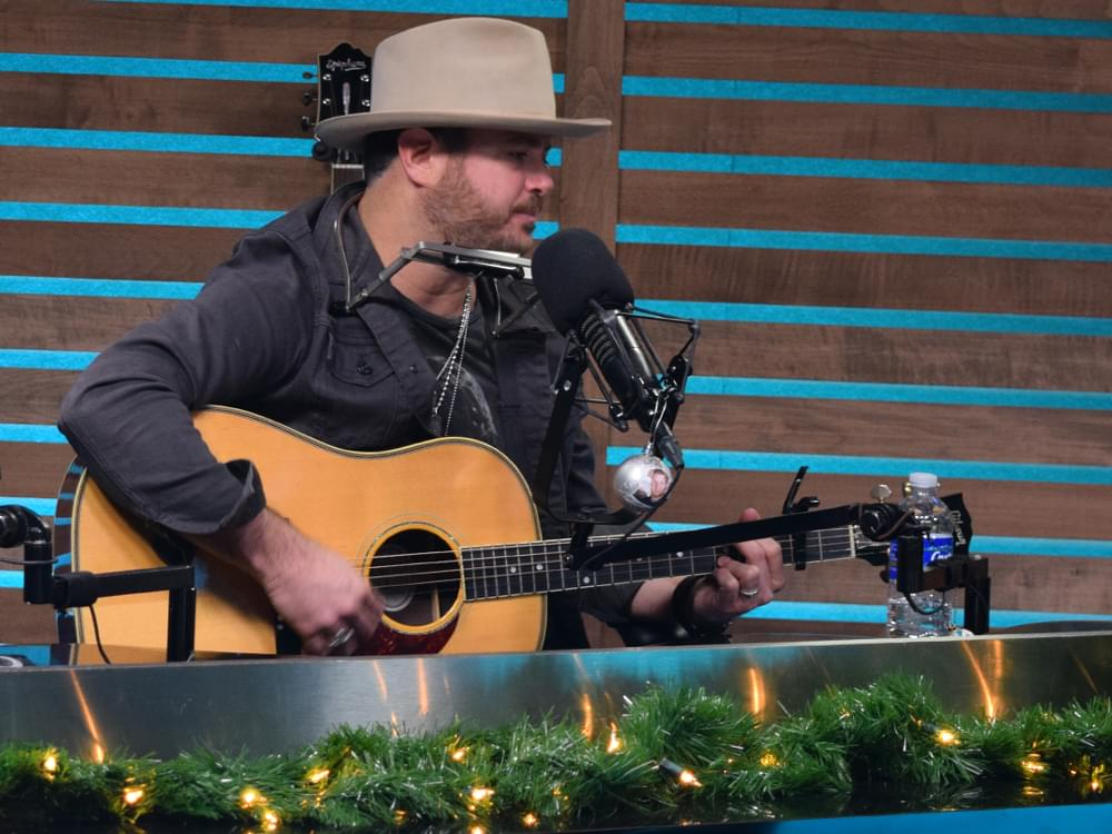 "Wade Bowen Announces New Christmas Album, ""Twelve Twenty-Five"""