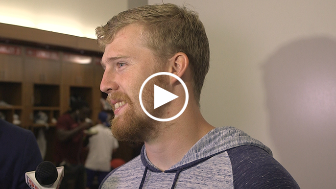Beathard says Staley jokingly gave him oxygen mask after 62-yard touchdown run