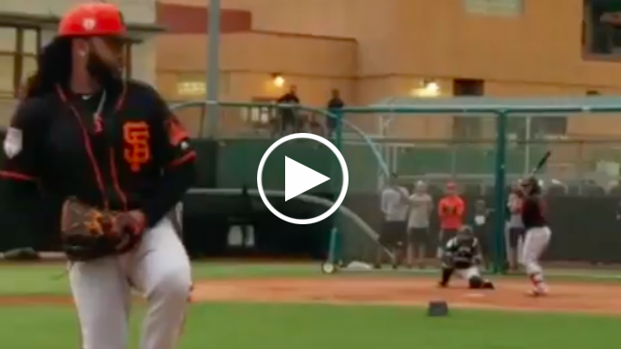 Johnny Cueto posts video of live pitching session against batters in Arizona