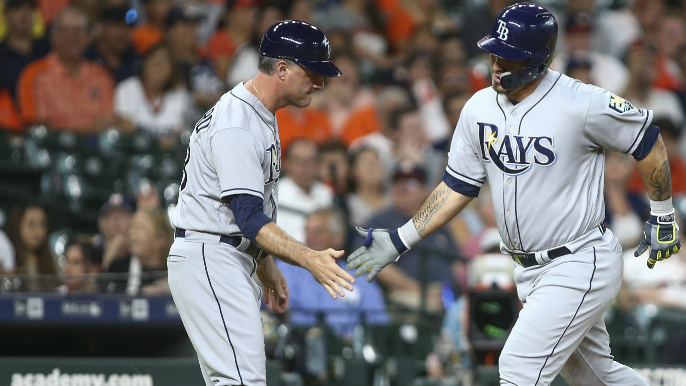 Rays coach joins growing list of candidates for Giants managerial opening [report]