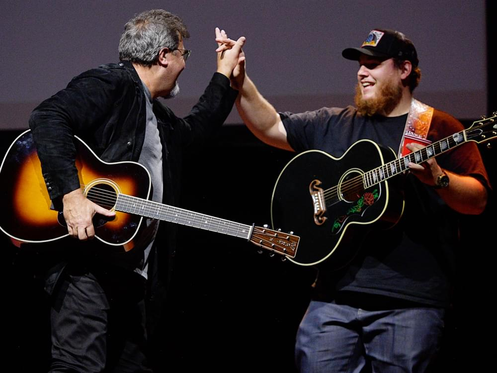 """Watch Luke Combs Perform """"When It Rains It Pours"""" at Hall of Fame Benefit as Vince Gill Improvises Lead Guitar"""