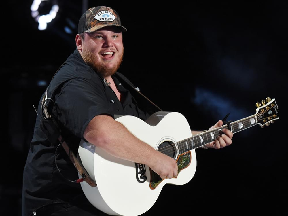 """Luke Combs Announces Headlining """"What You See Is What You Get Tour"""" in 2020 With Ashley McBryde & Drew Parker"""
