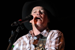 Photos: Clay Walker at DC19