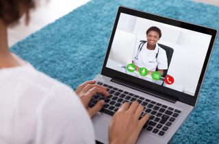 telemedicine_doctor_sm