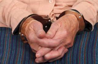 Elderinhandcuffs