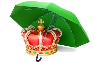 Crown and umbrella