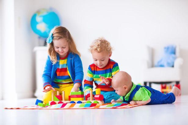 Gift Guide: Choosing Educational Toys This Holiday Season
