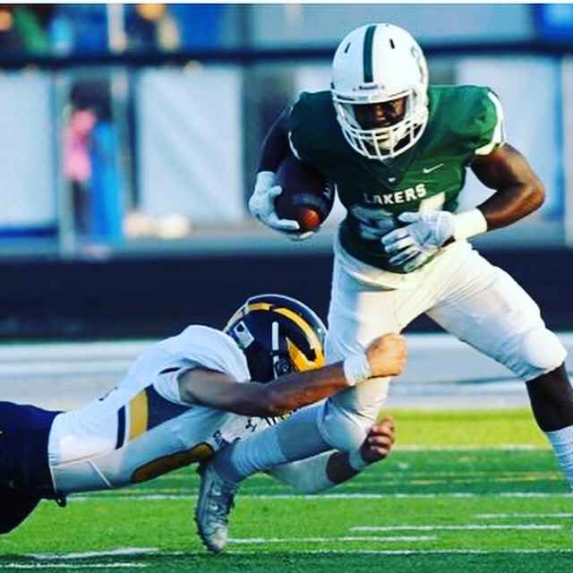 West Bloomfield 2021 rb/slot is visiting Ohio this weekend.
