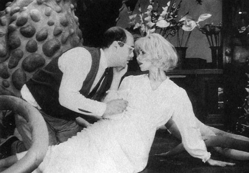 Lee Wilkof and Ellen Greene starred in the Drama Desk Award-winning off-Broadway production of Little Shop of Horrors, directed by Howard Ashman, at the Orpheum Theatre.