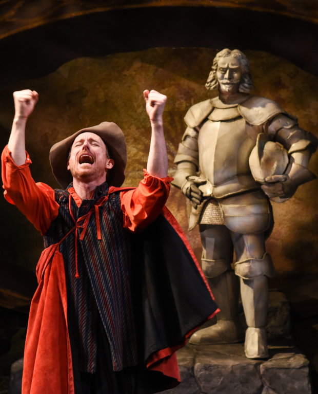 Brad Heberlee as Sganarelle and Chris Mixon as the Statue in the Pearl's Don Juan.