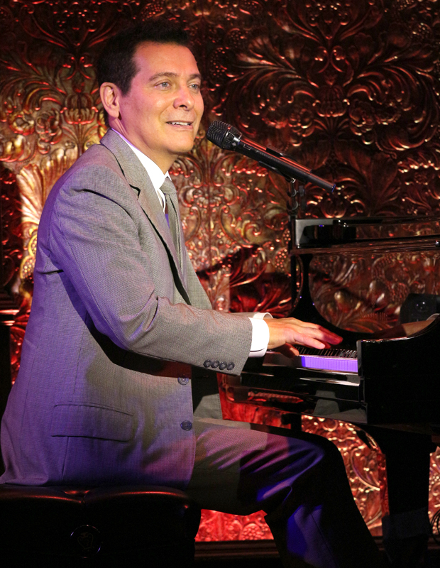 Michael Feinstein sits down at the piano at Feinstein's/54 Below for the first time.